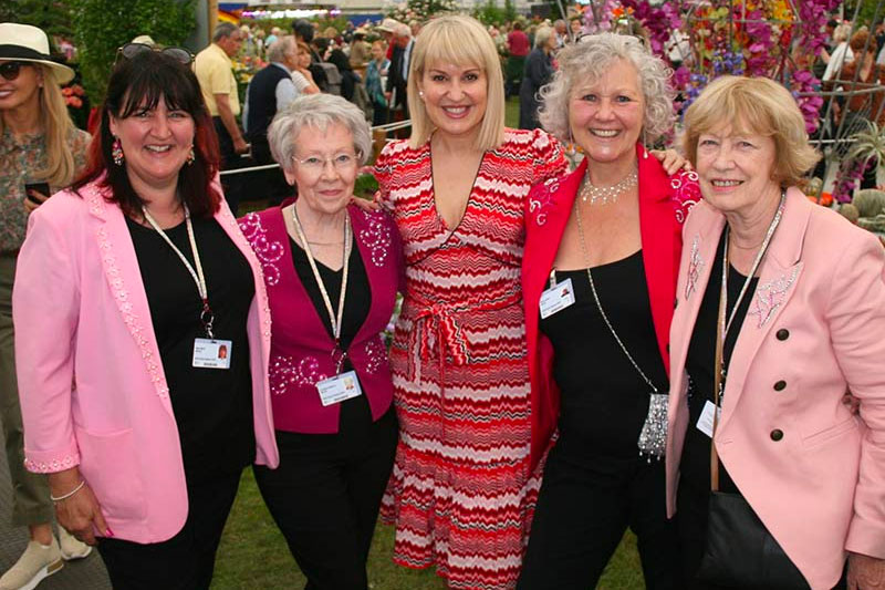 Cheshire team meet Nicki Chapman photo